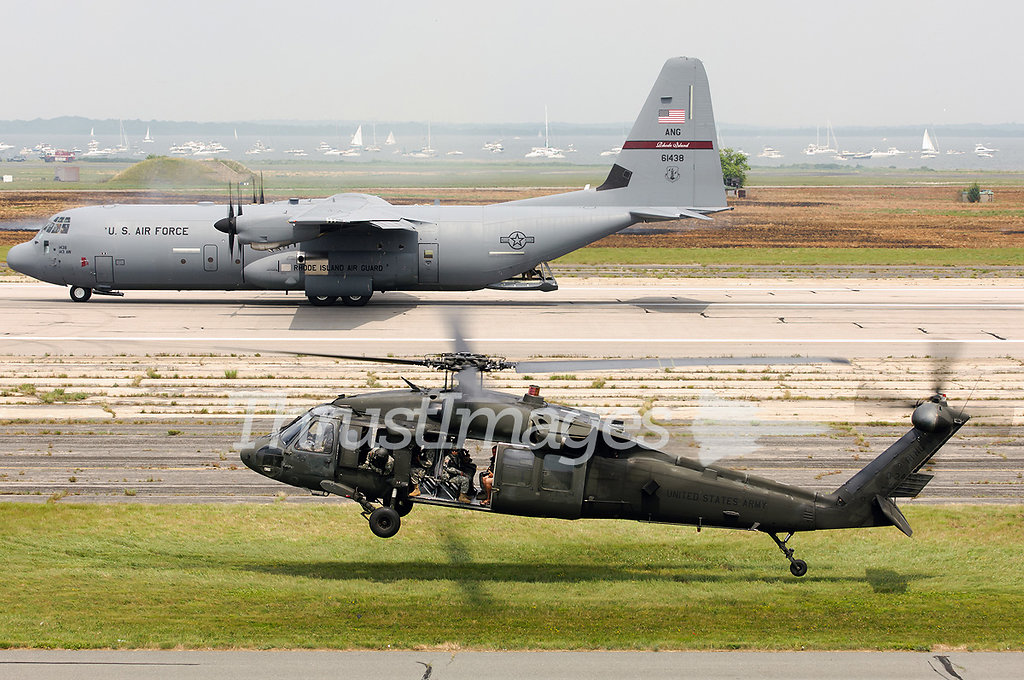 Sikorsky UH-60A Black Hawk (S-70A) 85-24438 (cn 70-0921) and Loc